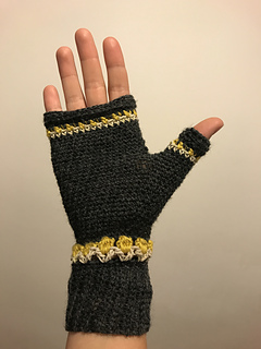 Ravelry Tulip Fingerless Mittens Pattern By Nomad Stitches