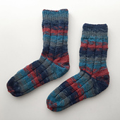 Red_blue_socks_01_small_best_fit