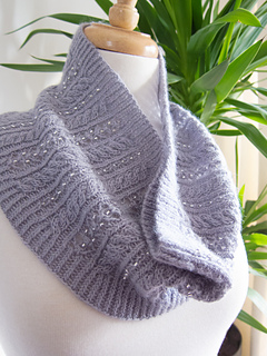 46bb8d2e16bfb Ravelry  Beaded Cowl pattern by Jemima Bicknell