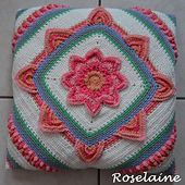 Roselaine_in_bloom_cal_2_small_best_fit