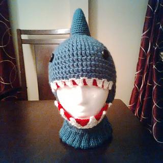 Ravelry  PeachyTO s Crochet Shark Hat d2e71942501a