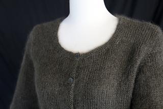 Grey_sweater_4_small2