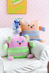 Cuddle_kidpillowstwo_027_small_best_fit
