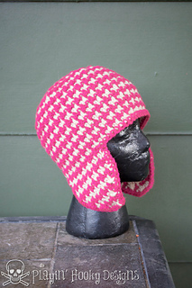 Houndstooth_earflaps-5_small2