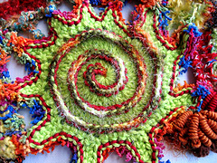 Green_red_pointy_edged_spiral_small