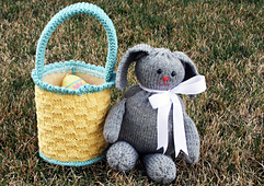 Easter_basket_loom_knitted_small_best_fit