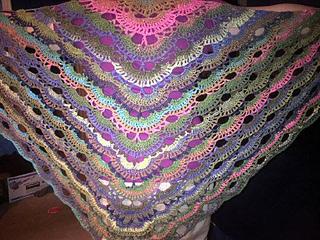 Scalloped_shawl_back_small2