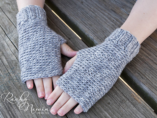 Ravelry Snow Kissed Mitts Pattern By Rachy Newin