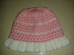 Crochet_bobble_pinky_brimmed_hat_small