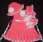 New_born_dress_set_small_best_fit