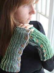 Kirara_fingerless_gloves_small