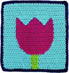 Reversible_color_crochet_-_tulip_block_beauty_shot_small