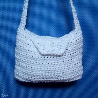 Basic-necessities-purse-rav_small2