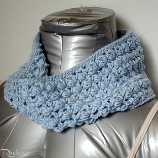 Slanted-puffs-cowl-rav_small2