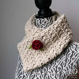 Starry_night_scarf_with_rose_brooch_small2