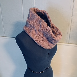 Ravelry Easy Cable Knit Cowl Pattern By Jen Monroe