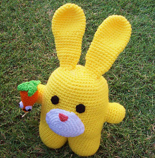 Amigurumi Many : Ravelry: Amigurumi Bunny & Carrot Pattern pattern by ...