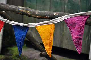 Sm_happyknits_farmstandflags-004_small2