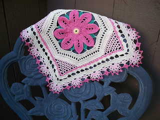 Pretty-in-pink-doily-for-ravelry100_3227_small2