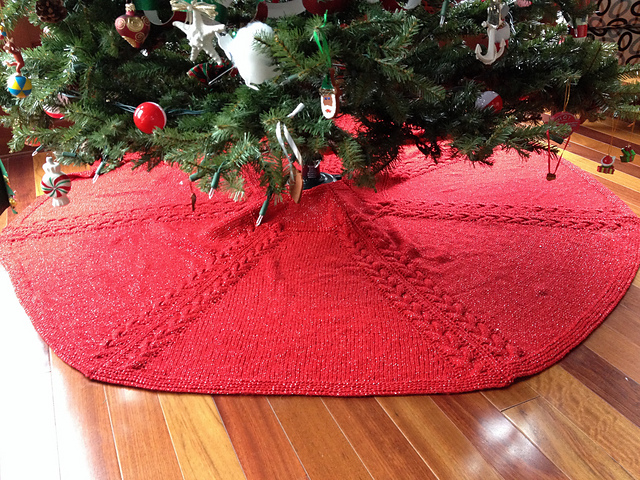 Ravelry Christmas Tree Skirt Pattern By Ann V Gallentine