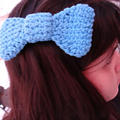 Blue_crochet_bow_small_best_fit