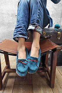 Knittedslipperbook_p137_small2