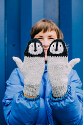 Fledgling_mittens_extended_web_small_best_fit