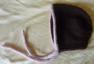 Traditional_baby_bonnet_008_small2
