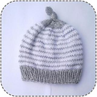 Ravelry  Simple striped baby hat pattern by A la Sascha 448acf9b766