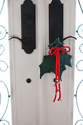 Felted_holly_door_8__small_best_fit