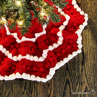 Ravelry Bobble Christmas Tree Skirt Pattern By See Love Share