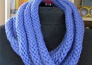 Knitting Scarf Patterns Infinity Scarf : Ravelry: welted infinity scarf pattern by kathleen cubley
