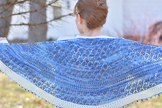 I-smell-snow-shawl-4_small2