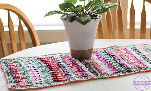 Ravelry: Betty's 20 Stitch Table Runner pattern by Ashleigh Kiser