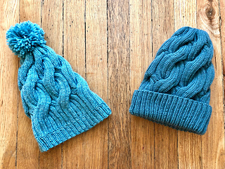62d8792edce Ravelry  Chunky Cabled Hat pattern by Jeni