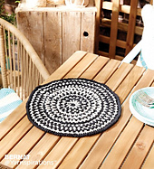 Bernat-makerhomedec-c-sundialcrochetplacemats-web_small_best_fit