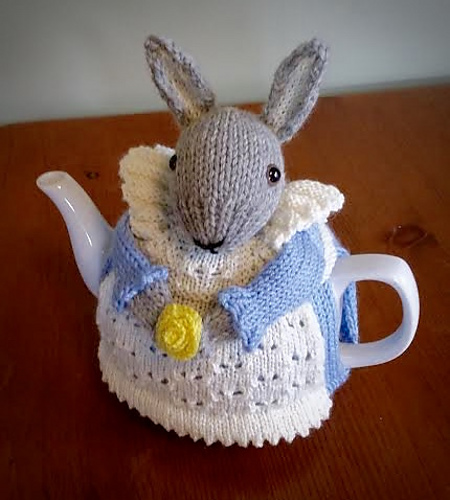 Knitting patterns free links: Mrs  Bunny Rabbit Tea Cozy