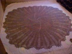Shetland_lace_shawl_blocking_small