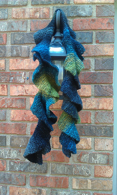 Ravelry: Potato Chip Scarf pattern by Barbara Aguiar