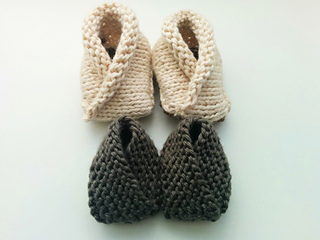 Crossover_baby_booties_variations_small2