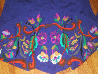 Knitting_purple_sweater_shawl_small2