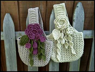 Victorian_romance_purses_on_fence_small2