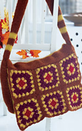 Crochet_messenger_bag_medium