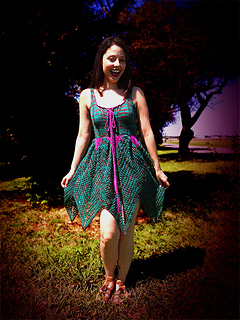 Knitted_faerie_dress_shiri_designs_curtsy_small2