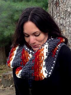 Crochet-pattern-dashing-cowl-scarf-shiri-designs-lookdown_small2