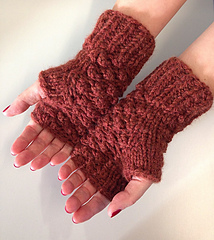 340c2eabe Ravelry  Su s raspberry stitch mittens pattern by Beth Michon