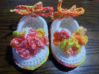 Lilly_s_flower_slippers_small2