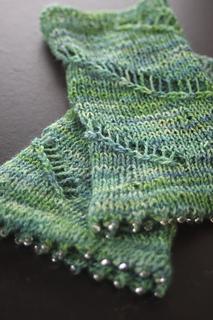 Ravelry: Spiral Path Mitts pattern by Simone Kereit