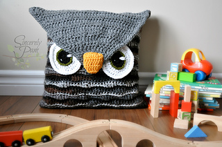 Owl_pillow1_small2