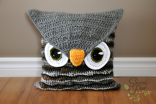 Owl_pillow2_small2